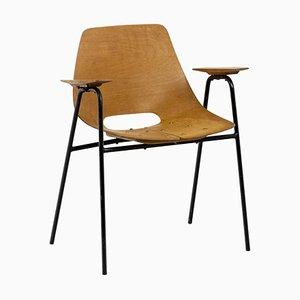 Armlehnstuhl aus Sperrholz und schwarz lackiertem Metall von Pierre Guariche, 1960er