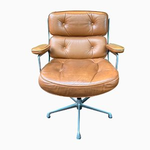 Poltrona da ufficio di Charles Eames per Mobilier International, anni '60