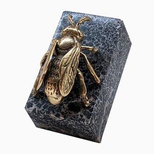 Schwarzmontierte Messing Biene