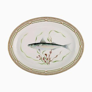 Large Fauna Danica Serving Dish in Hand-Painted Porcelain from Royal Copenhagen