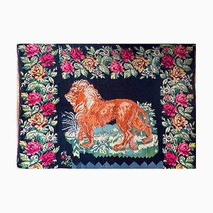 Grand Tapis Antique avec Lion et Décor Floral