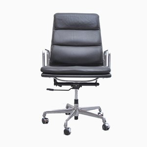 EA 219 Black Leather Chair by Charles & Ray Eames for ICF De Padova