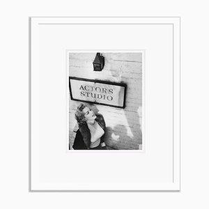 Affiche Marilyn Monroe à la Pigment d'Encre d'Actors Studio Encadrée en Blanc Encadrée par Bettmann
