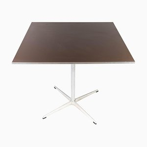 Tavolo da pranzo in metallo e laminato di Arne Jacobsen per Fritz Hansen