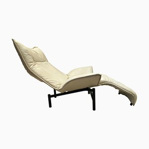 Lounge Chair in White by Vico Magistretti for Cassina