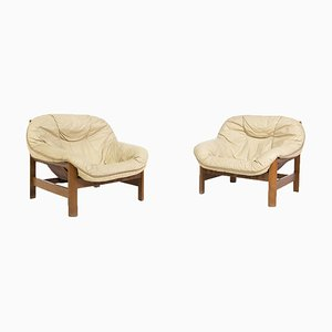 Italian Armchairs in Beige Leather and Wood, Set of 2