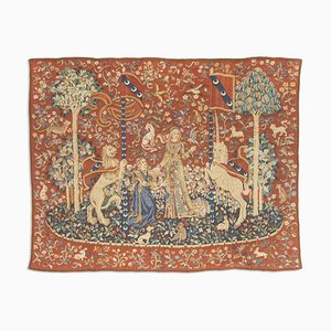 Floral Mashiny Rug in Rust Red with Border and Motif