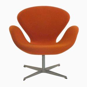 Model 3320 Swan Chair by Fritz Hansen for Arne Jacobsen