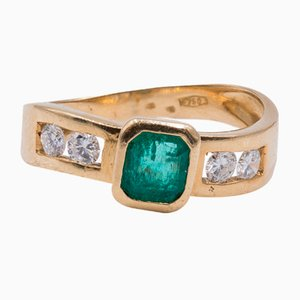 18K Gold Ring with Emerald and Diamonds of Approx. 0.40ctw, 1980s