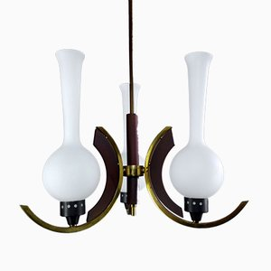 Lampadario a tre luci minimalista con struttura in ottone e paralumi in vetro, anni '50