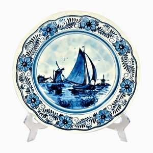 Dekorativer Vintage Teller von Royal Delft Holland