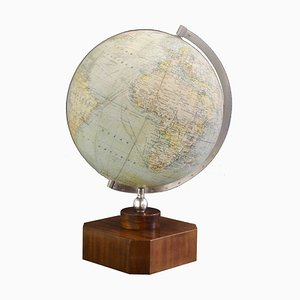 Vintage French Art Deco Illuminated Globe on Wooden Base from Girard Barrère Et Thomas, Paris