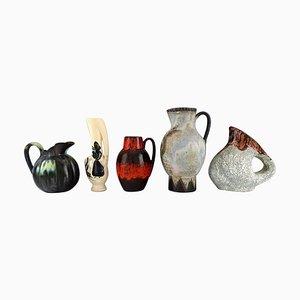 Jarras belgas de cerámica esmaltada, años 60. Juego de 5