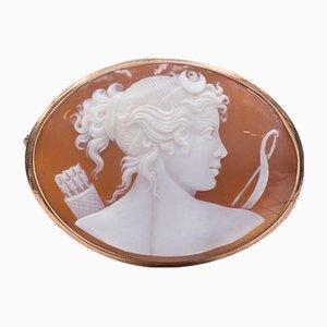 Broche antiguo de oro de 18 quilates con Diana la Cazadora, principios de los años 900