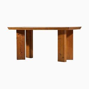 Französischer Schreibtisch aus Pinienholz im Stil von Charlotte Perriand, 1960er