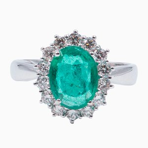 18K Gold Ring with Emerald and Cut Diamonds