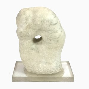 Scultura Ophelia in marmo su base acrilica di Maria Osvath, anni '70