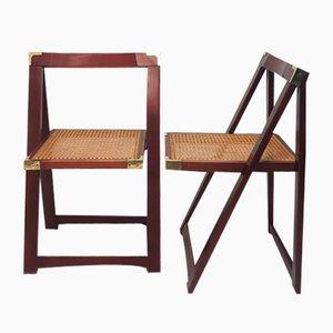 Sillas plegables de madera de haya con asientos de caña, años 70. Juego de 2