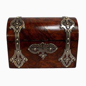 Cajonera estilo renacentista curvada de nogal macizo, siglo XIX