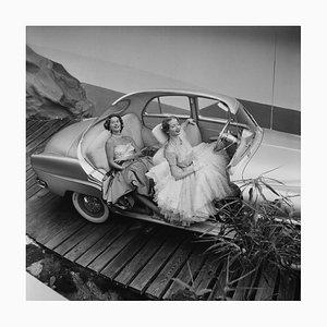 Imprimé Simca Aronde en Résine par Thurston Hopkins