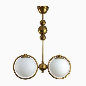 Lámpara de araña Mid-Century de latón y vidrio opalino