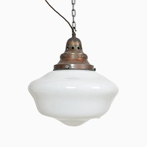 Lámparas colgantes de iglesia antiguas de vidrio opalino. Juego de 2