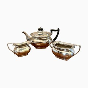 Antique Edwardian Three Piece Silver Plated Tea Set from Walker & Hall