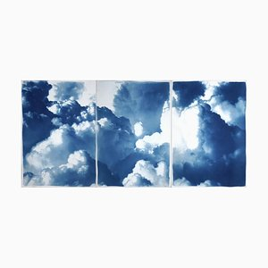Tríptico con paisaje de cielo azul, cianotipo hecho a mano en papel, 2021