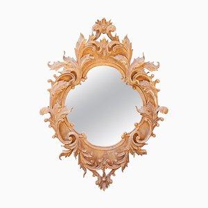 Espejo estilo neoclásico de pan de oro y madera tallada a mano con decoración de hojas de acanto, años 70