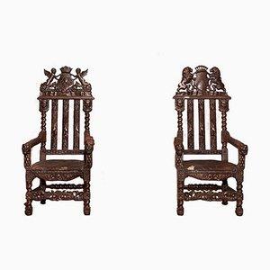 Sillas de trono antiguas altas de roble tallado. Juego de 2