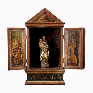 Flämische Schule Madonna mit Kind aus Terrakotta & Kind im Holzschrein mit verzierten Türen, 18. Jh