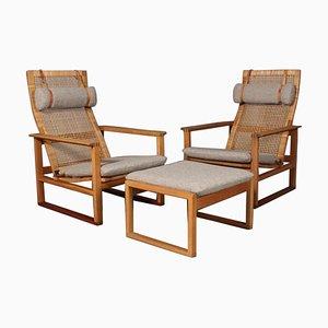 2254 Eichenholz Sled Sessel mit Ottomane aus Schilfrohr von Børge Mogensen für Fredericia, 3er Set