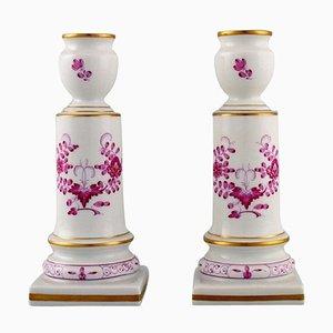 Antike indische Meissen Kerzenständer aus handbemaltem Porzellan, 2er Set