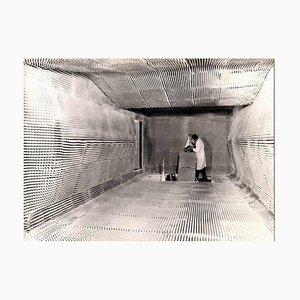 Fotografía vintage de un espacio anti-eléctrico, 1955