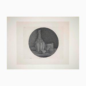 Giorgio Morandi, Stillleben mit Flasche und drei Gegenständen, Original Radierung, 1946