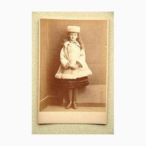 Fotografía vintage en blanco y negro de Lewis Carroll, Xie Kitchin como Dane, 1873