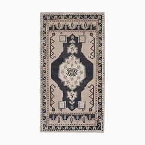 Kleiner türkischer Teppich in Blau