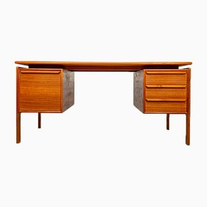 Dänischer Teak Schreibtisch von GV Gasvig für GV Møbler, 1960er