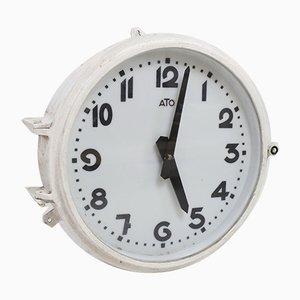 Reloj de pared de fábrica vintage