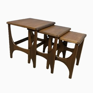 Tavolini a incastro Mid-Century di Stonehill Furniture Co, set di 3