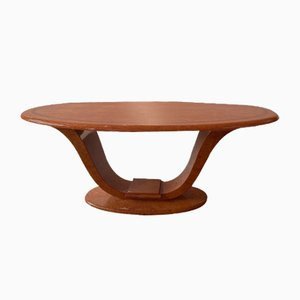 Ovaler Esstisch