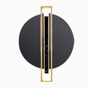 Specchio a forma di scudo di Covet Paris