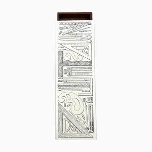 Scatola per sigari Riga e Squadra di Piero Fornasetti per Atelier Fornasetti, Italia