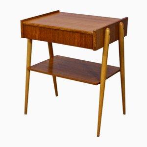 Mesa auxiliar danesa de teca con patas de haya, años 60