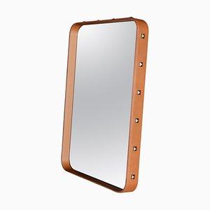 Espejo de pared Jacques Adnet rectangular pequeño de cuero curtido de Gubi