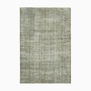 Grauer Überfärbter Teppich