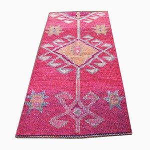 Türkischer Vintage Handgeknüpfter Wollteppich in Pink