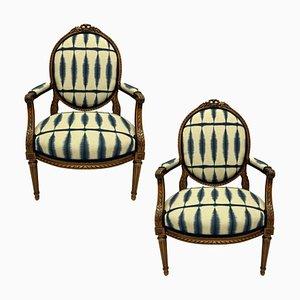 Butacas estilo Luis XVI de nogal. Juego de 2