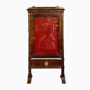 Vitrina Imperio de caoba con filetes de madera clara, 1850-1880