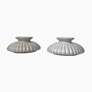 Candeleros estriados de cerámica blanca de Einar Johansen, años 60. Juego de 2
